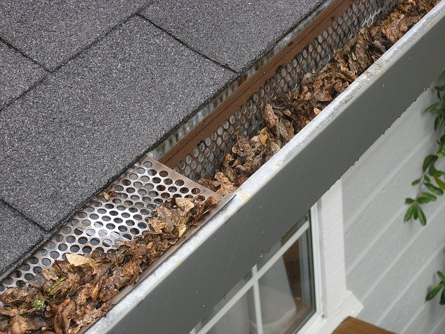 gutter guard did not work well and the eavestrough needs repair in Vaughan